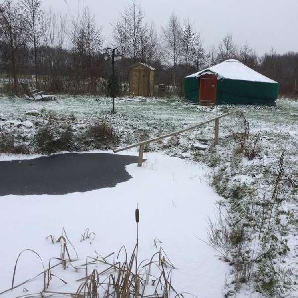 yurt in de winter bij bed en breakfast vakantiehuisje molenbergh in zuidwest drenthe