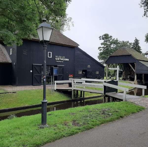 Museum Giethoorn 15 km vanaf vakantiehuisje Molenbergh Drenthe