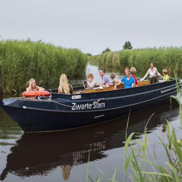 Varen met de boswachter in De Wieden 20 km vanaf Molenbergh vakantiehuisje Drenthe